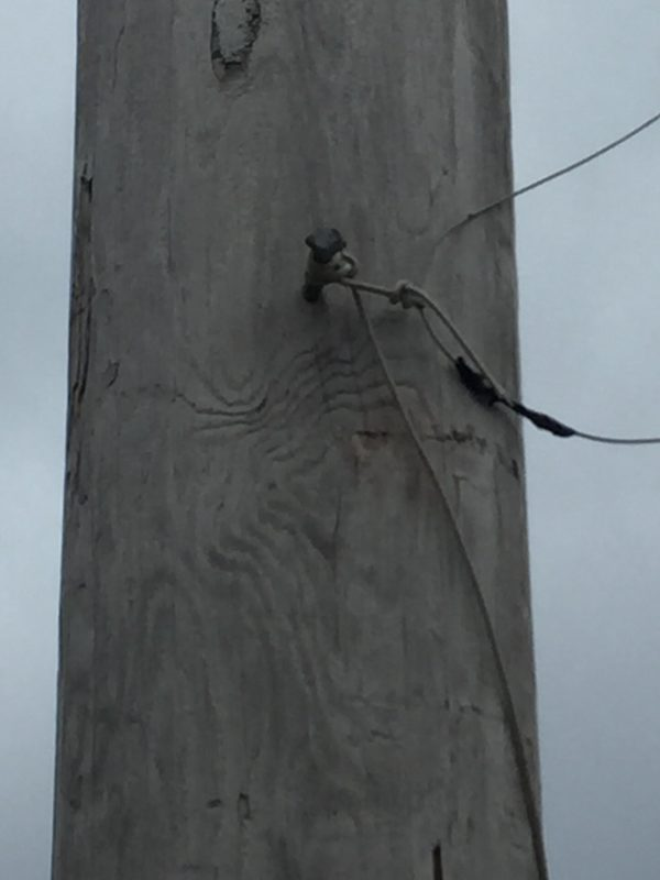 Here's the cable attached to the pole when not in use.